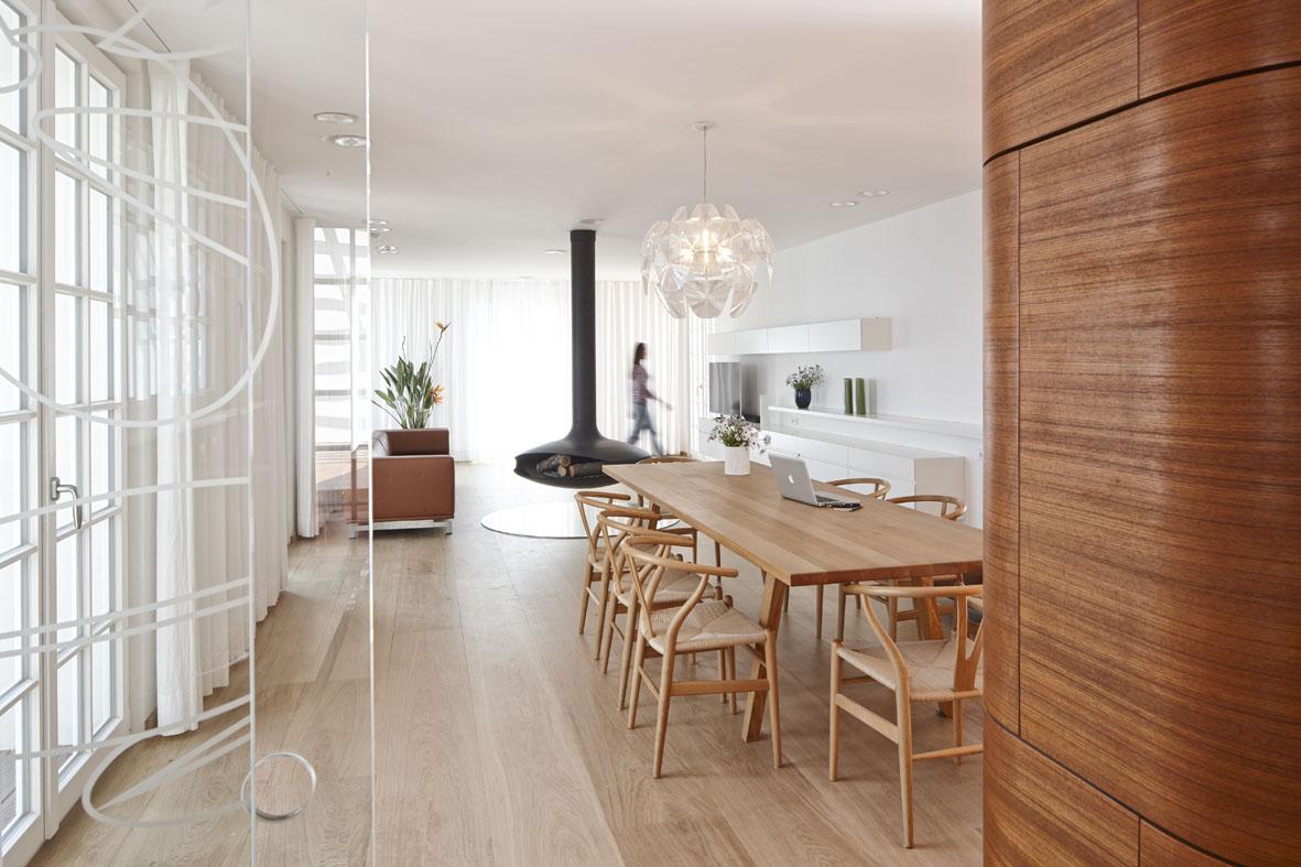 4a Architekten Renovates Heritage-Protected Villa on the Côte d'Azur