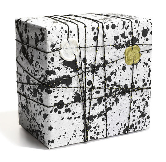 DIY Black splatter wrapping paper ideas