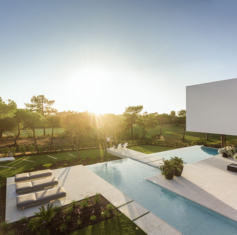 QL House pool Portugal