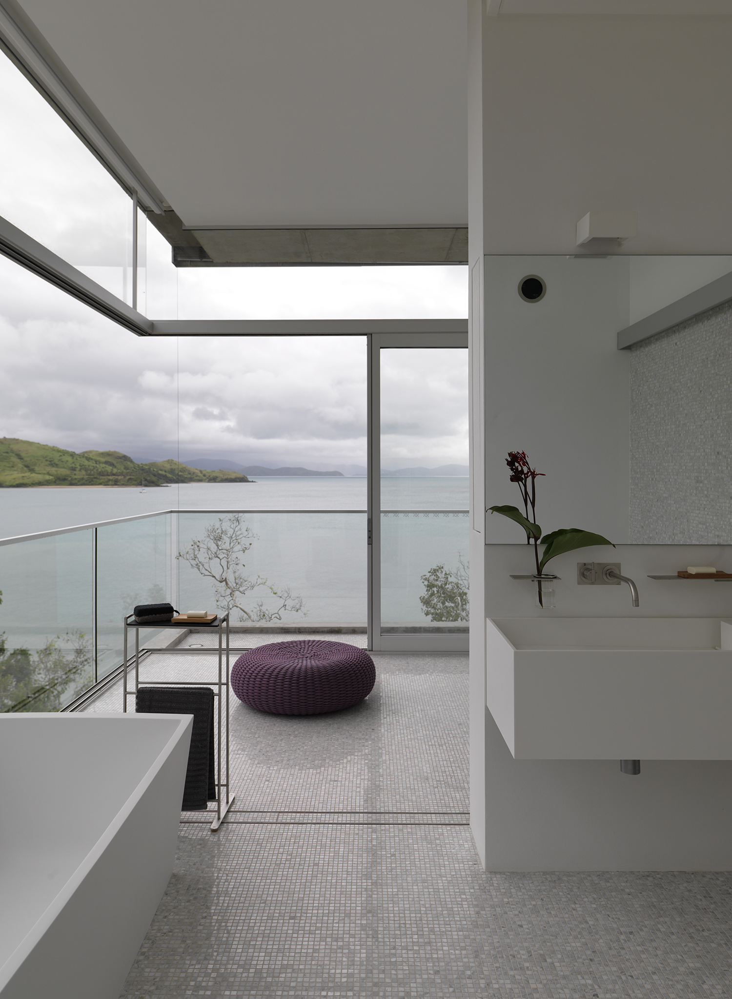 Solis House bathroom