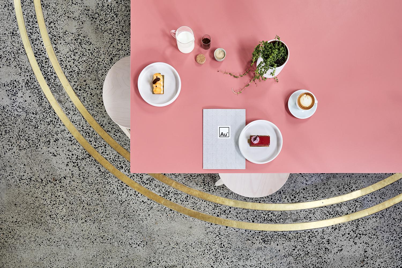 Au79 café tables