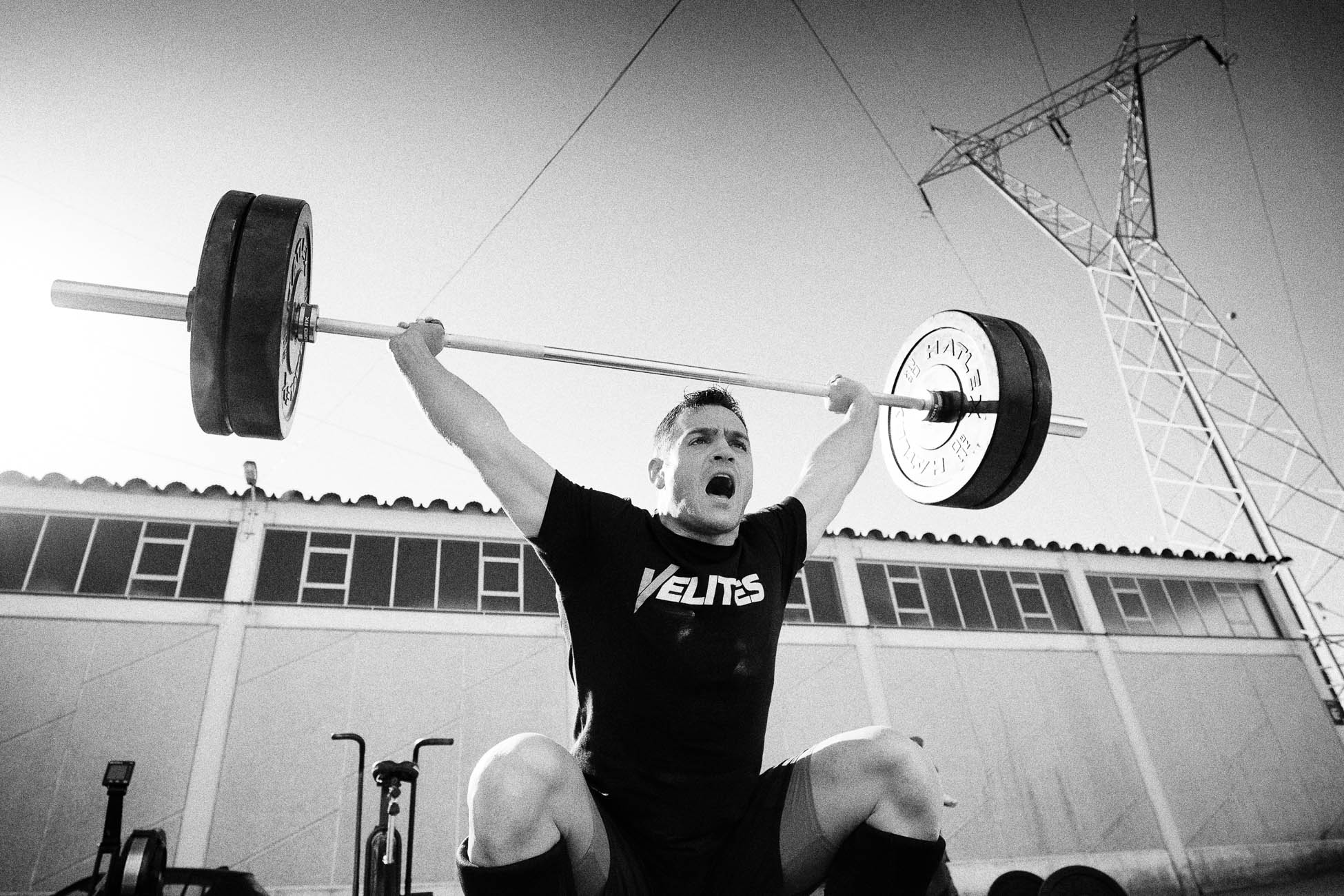 Gonçalo Barriga Sports Photographer - CrossFit athlete barbell snatch