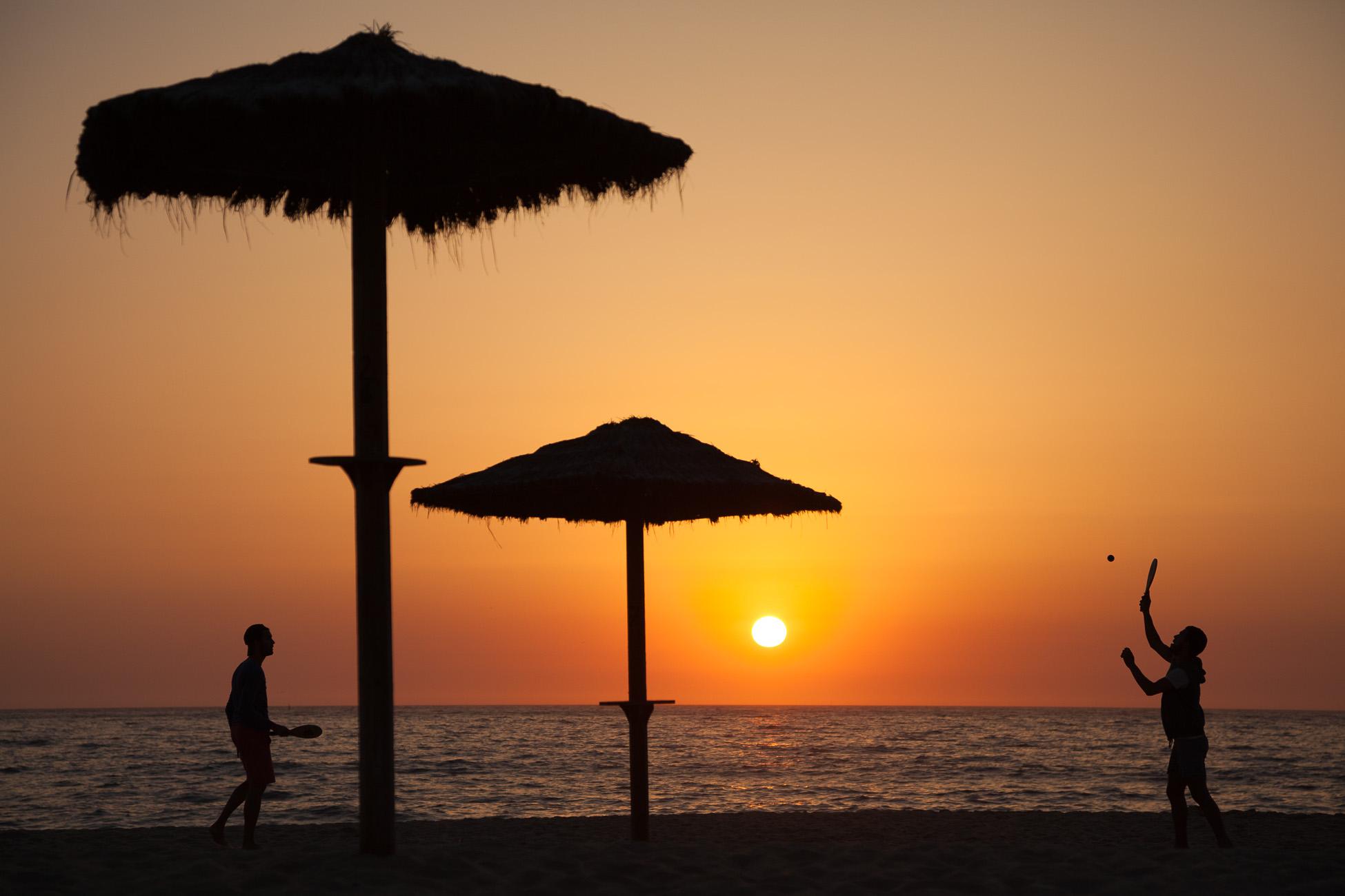 Gonçalo Barriga Lifestyle Photographer - Beach sunset game