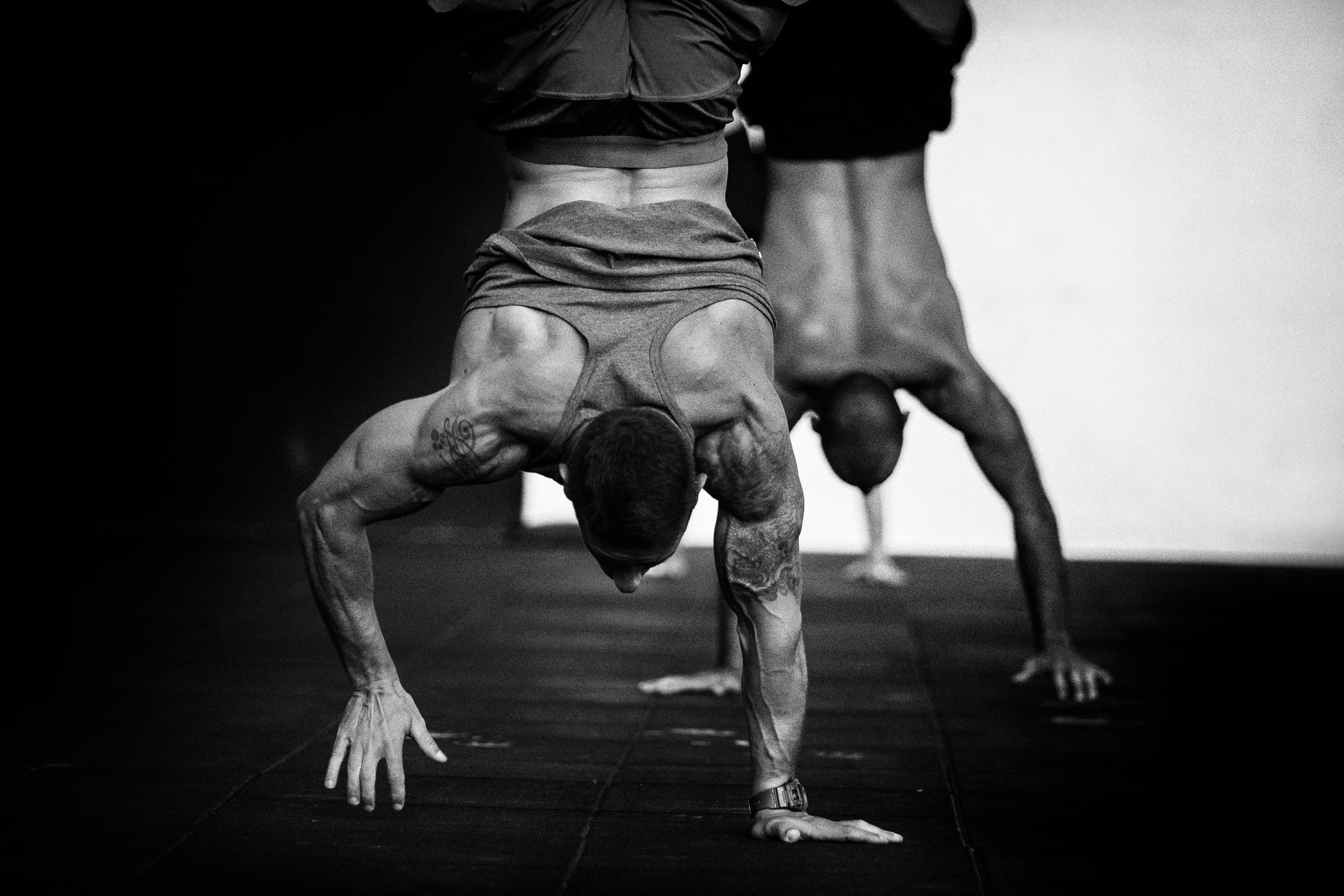 Gonçalo Barriga CrossFit Photographer - Handstand walk