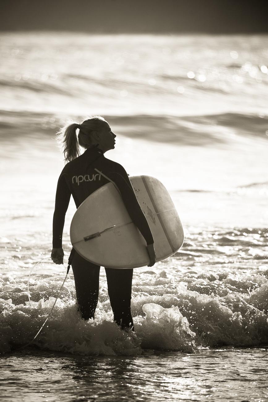 Gonçalo Barriga Photographer - Surfer girl