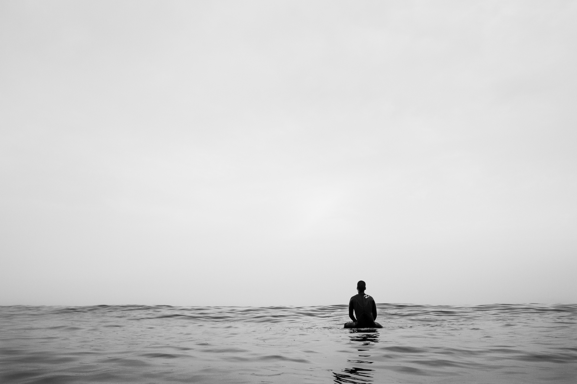 Gonçalo Barriga Photographer - Surfer waiting for the perfect wave