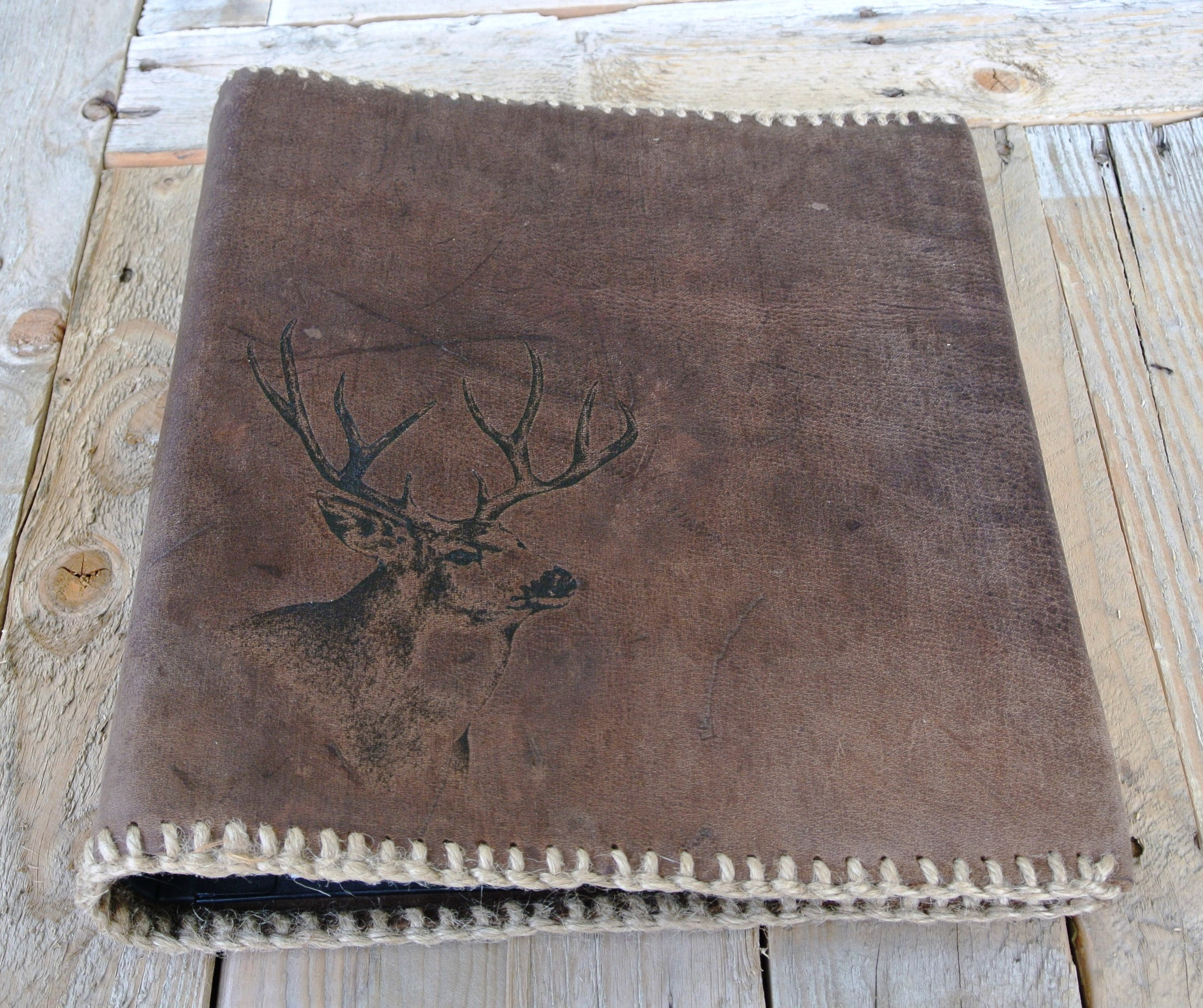 Circle M-Brand Leather Binder - Buck hunting.JPG