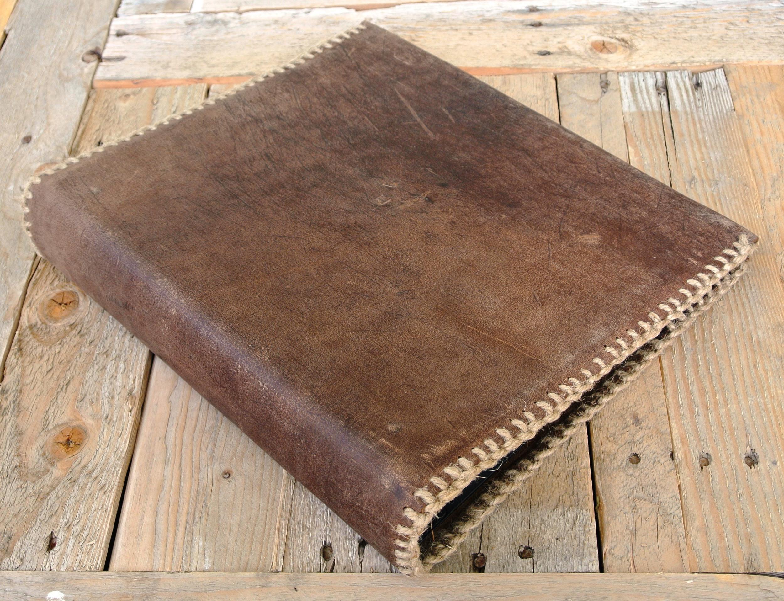 Circle M-Brand Leather Binder - Plain dark brown.JPG