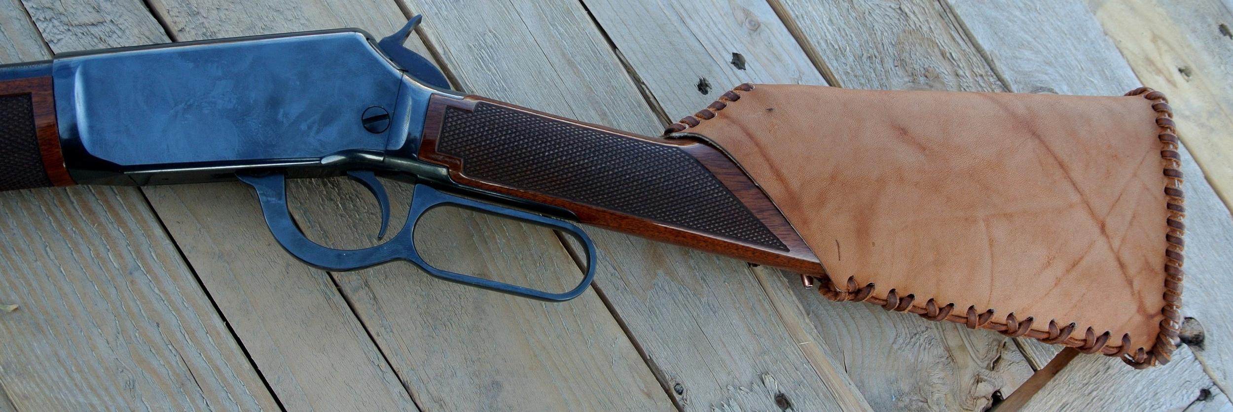 Circle M-Brand - Leather Buttstock Cuff (.22 magnum).JPG