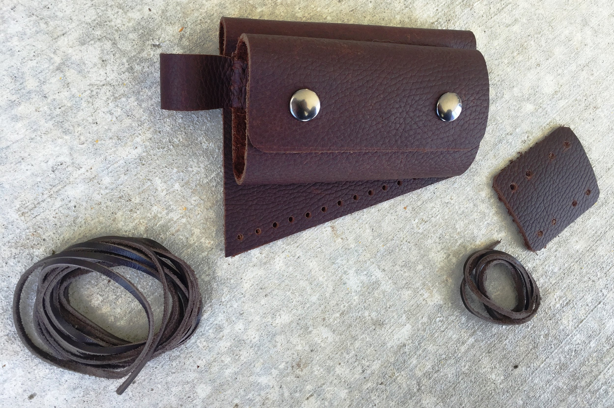 Circle M Brand - leather buttstock cuff with strap and ammo cover with lever strap.JPG