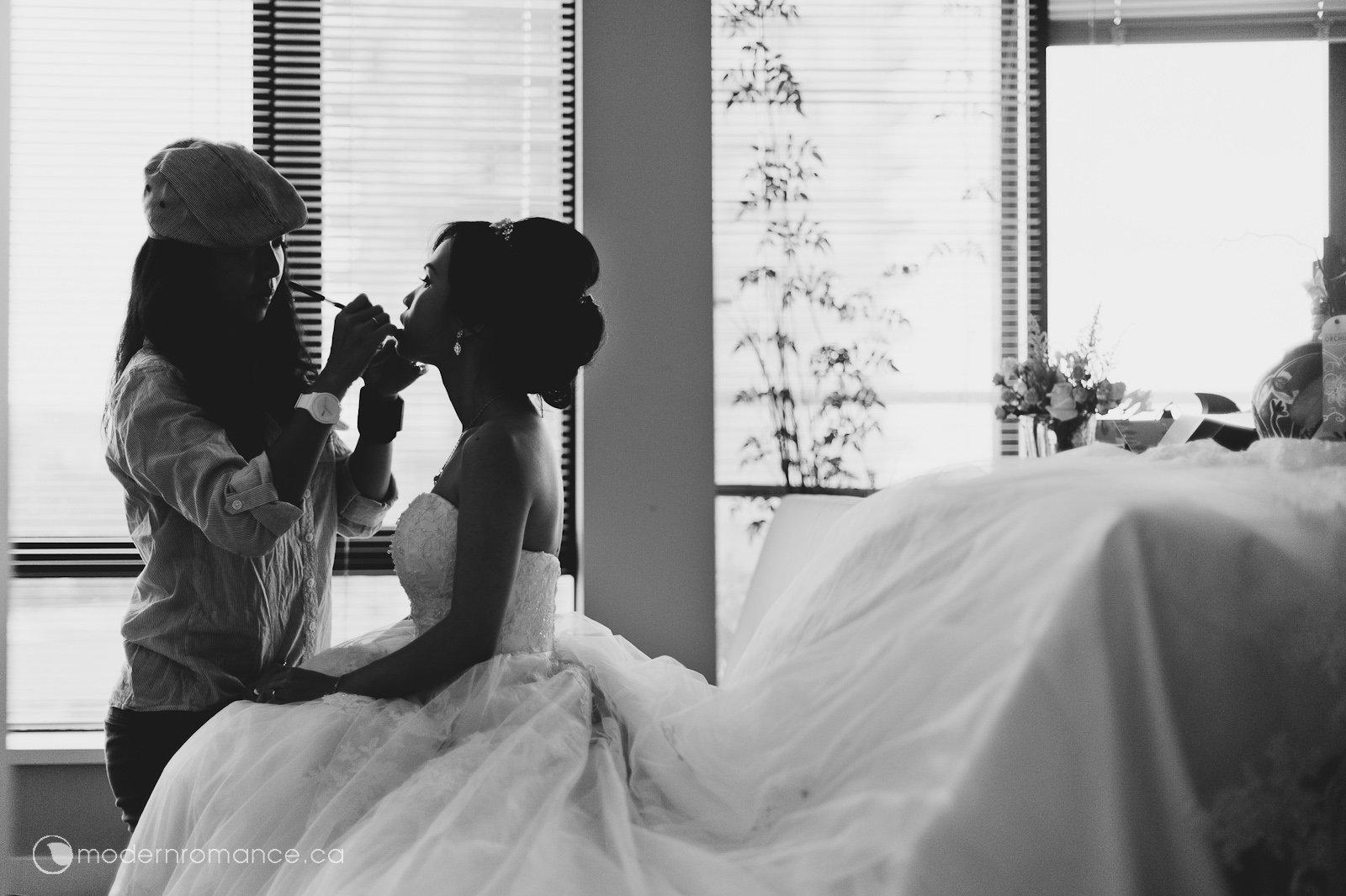 1.1 bride prep-0160.jpg