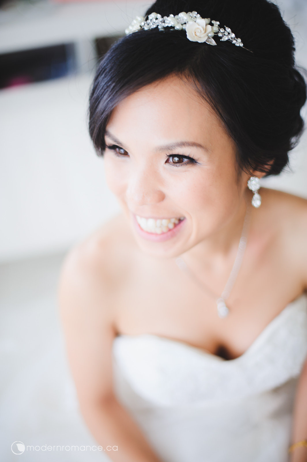 1.1 bride prep-0157.jpg