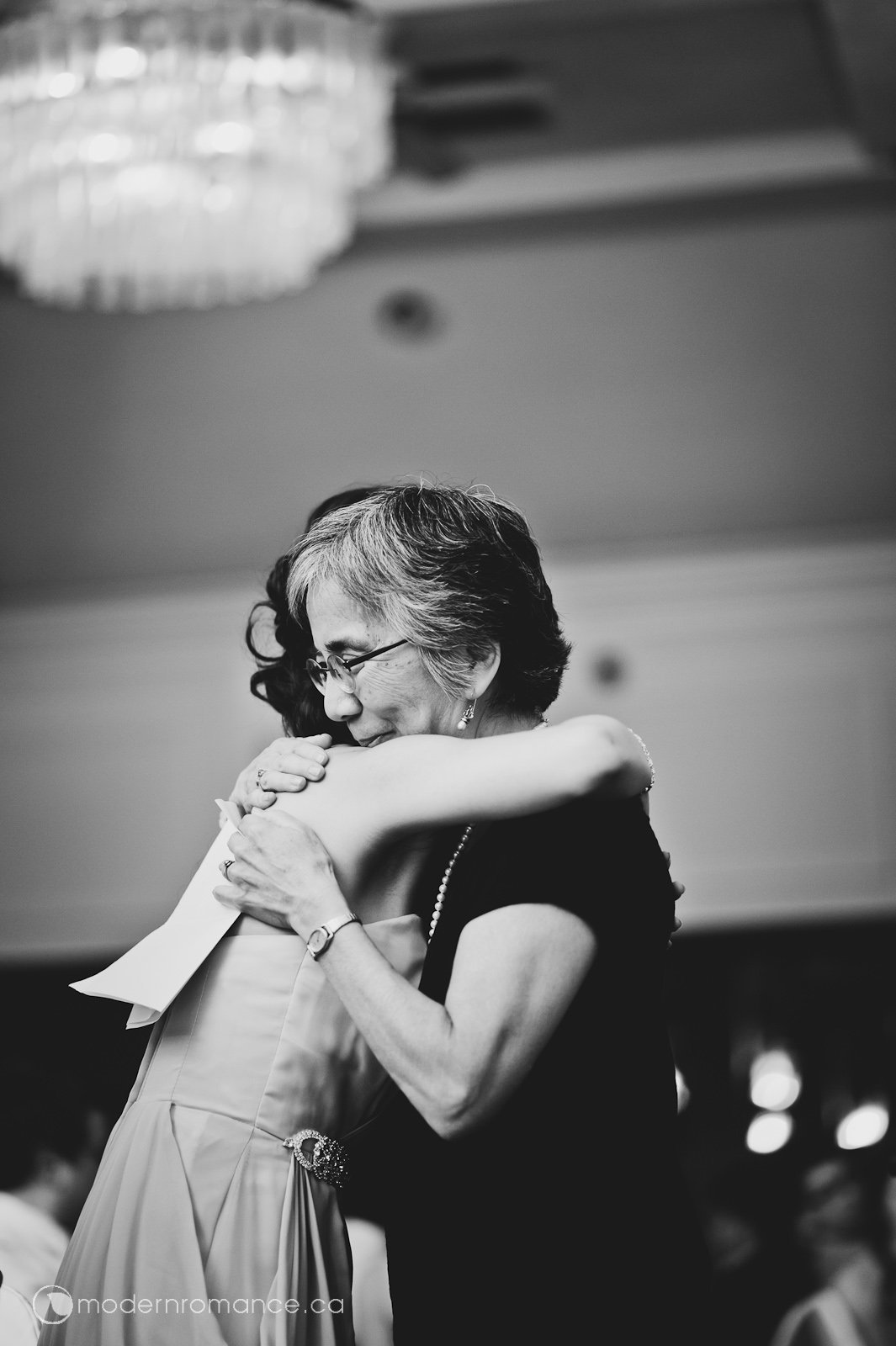 A hug after hearing the letter that Yohei's mom wrote before she passed away. It was a truly touching moment, no one had dry eyes after hearing the speech.