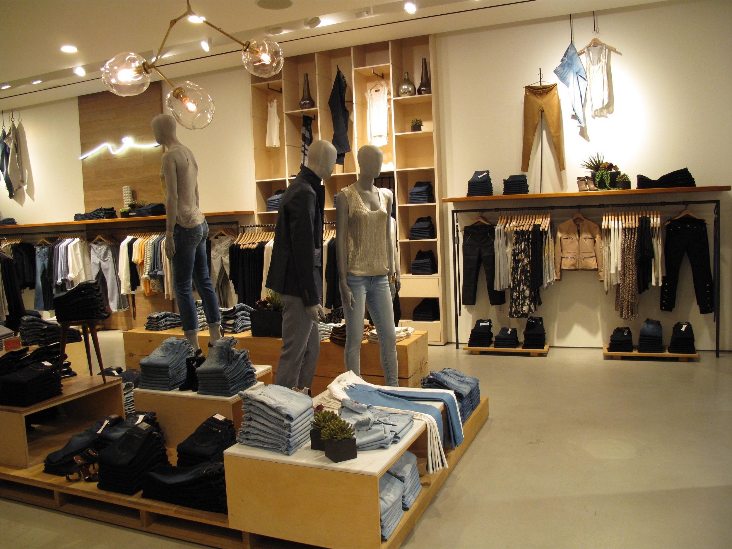 7FAM store int 2.jpg