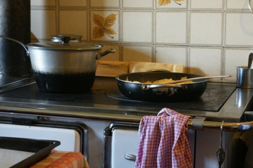 typical kitchen stove used in the past