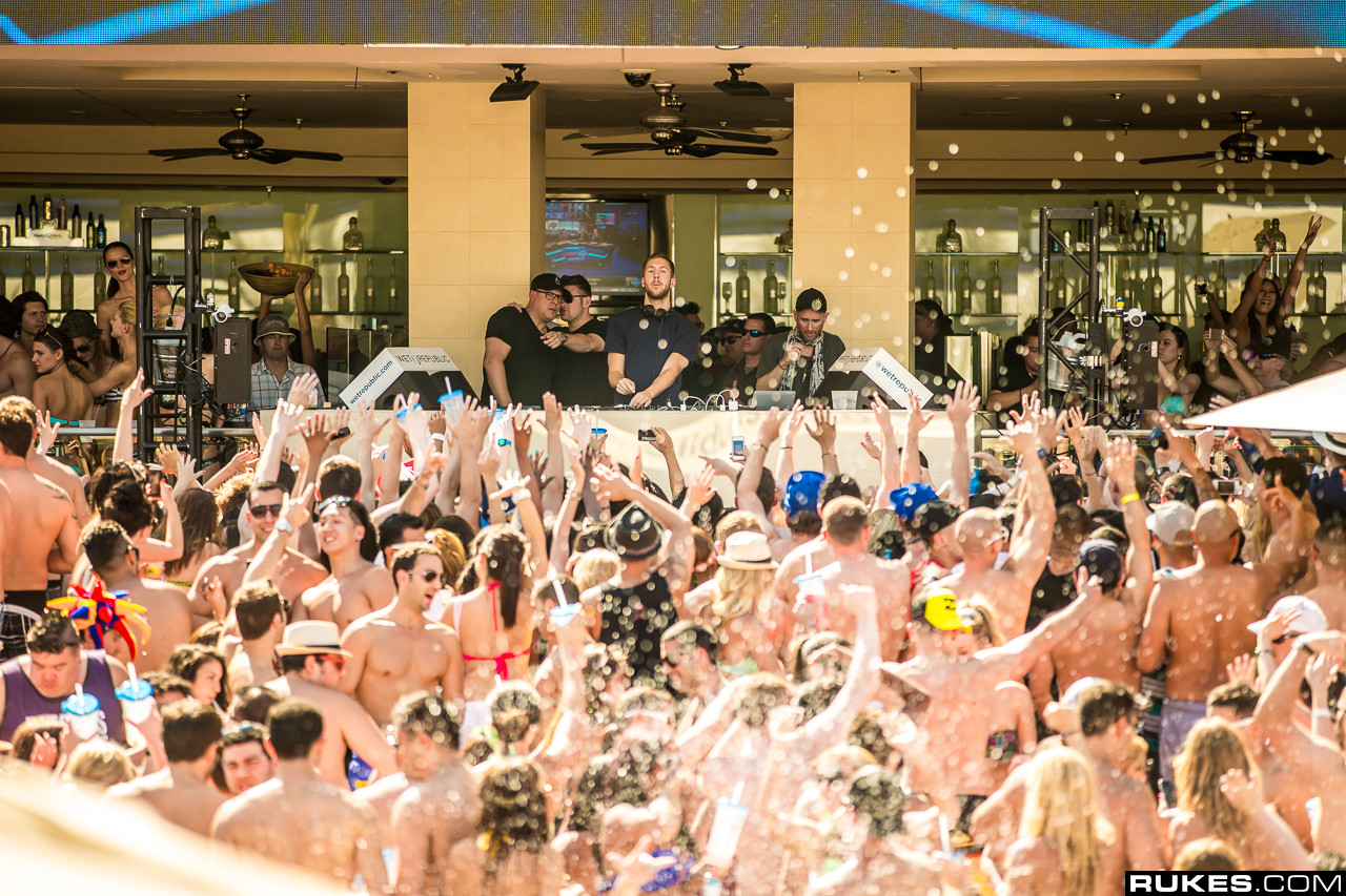Calvin Harris at Wet Republic