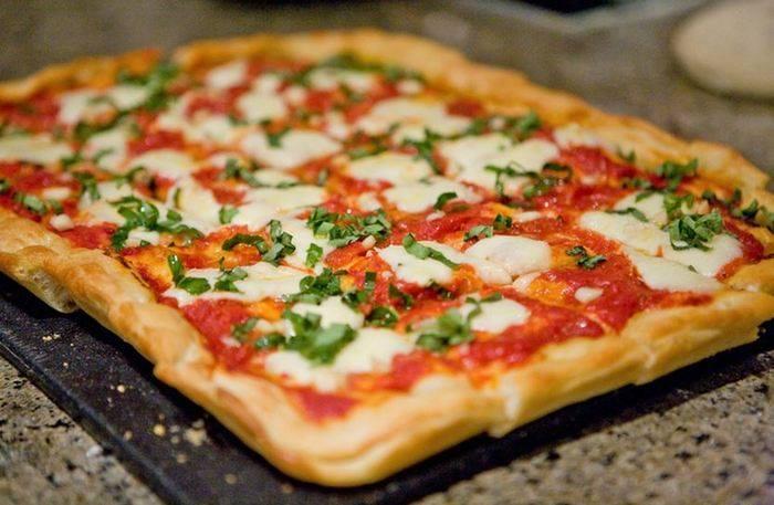 Vegaster VIP Travel App Pizza Las Vegas.jpg