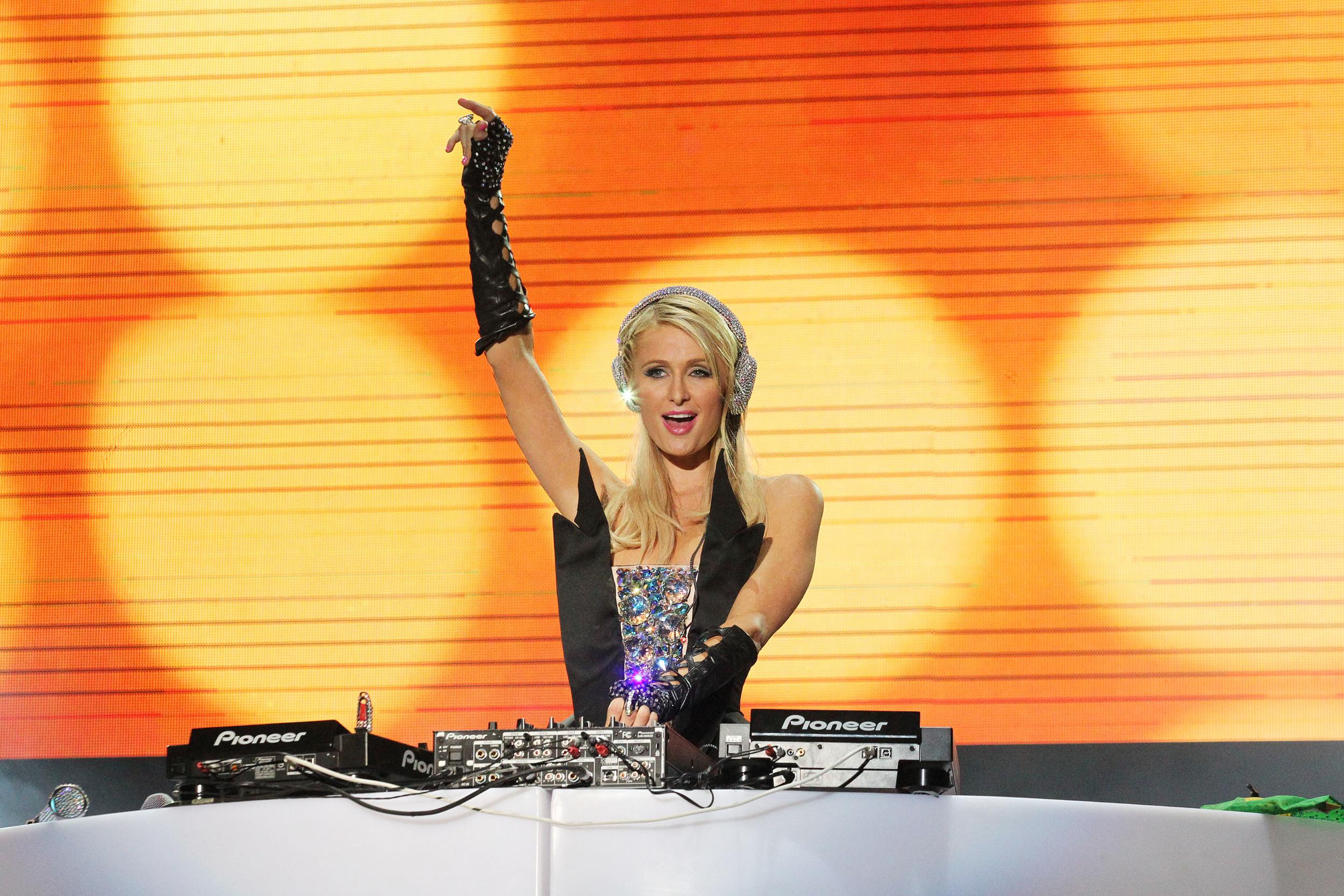 Paris Hilton DJ'ing In Vegas this Weekend