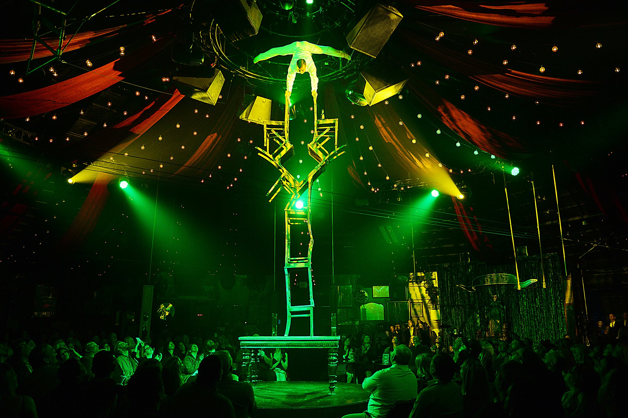 Vegaster Pick: 1 of the best shows in Vegas. Absinthe outside of Caesars Palace