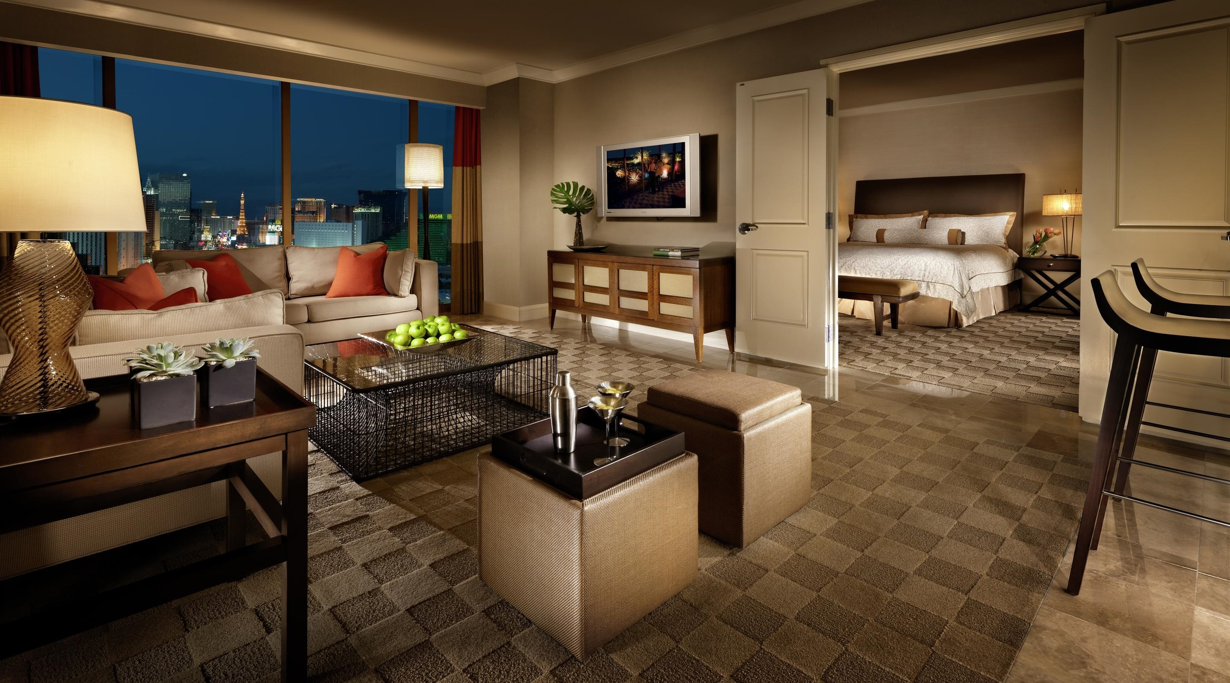 mandalay-bay-hotel-room-sky-view-suite-living-room (1).jpg