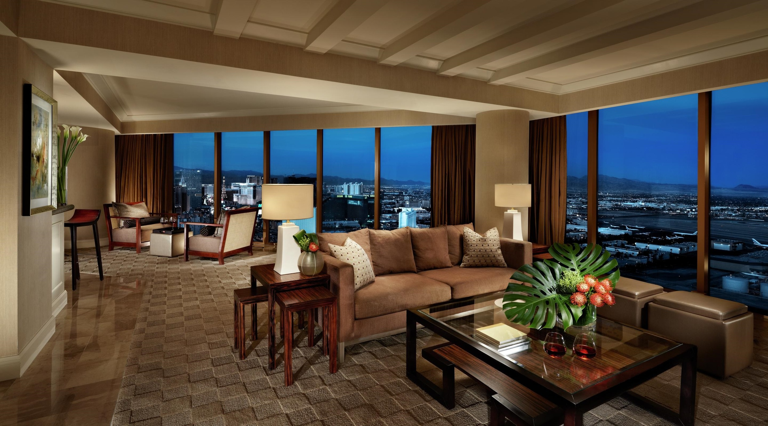 Strip Tastic Stays Vegas Mandalay Bay Venetian Resorts