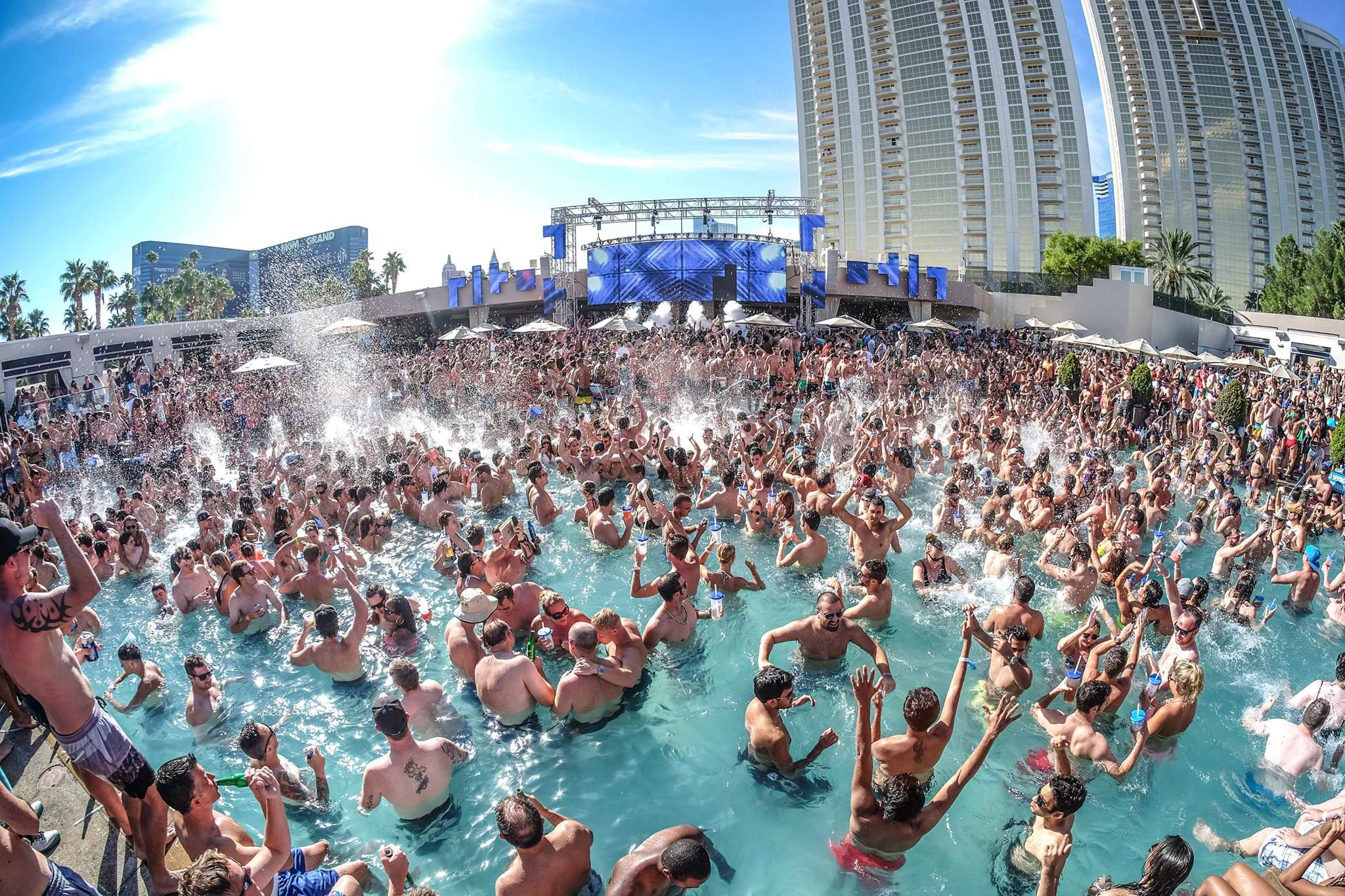 Cabana Bottle Service Las Vegas Wet Republic at MGM Grand