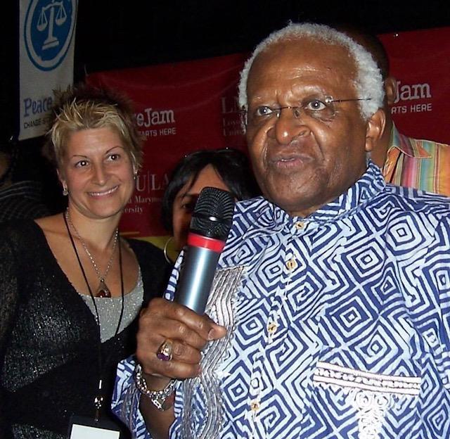 Pilar and Desmond Tutu. Peace Jam. LA. 2008.