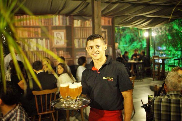 Renata Tolotti e Vinícius Correa abrem o Heilige Brew Pub em Porto Alegre (Foto: Ricardo Jaeger)