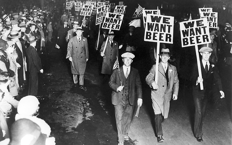 Dos anos 30, quando manifestações sepultaram a Lei Seca, os EUA deram um salto no número de cervejarias, prestes a quebrar um recorde de um século e meio atrás
