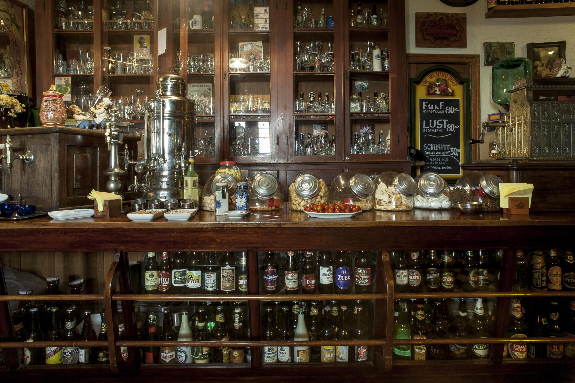 Para entrar no bar, é preciso ser convidado por algum frequentador ou pelo próprio dono (FOTO: RICARDO JAEGER/REVISTA BEER ART)