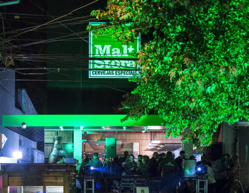 Localizada na tradicional Padre Chagas, o local é um misto de empório e bar  (FOTO: RICARDO JAEGER/REVISTA BEER ART)