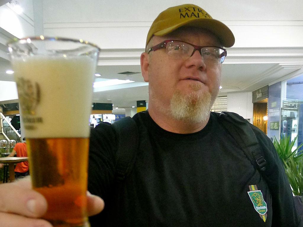 Encontro com bate-papo e degustação é conduzido por Sady Homrich, especialista em cervejas e baterista da banda Nenhum de Nós (Foto: Agência RBS/Divulgação)