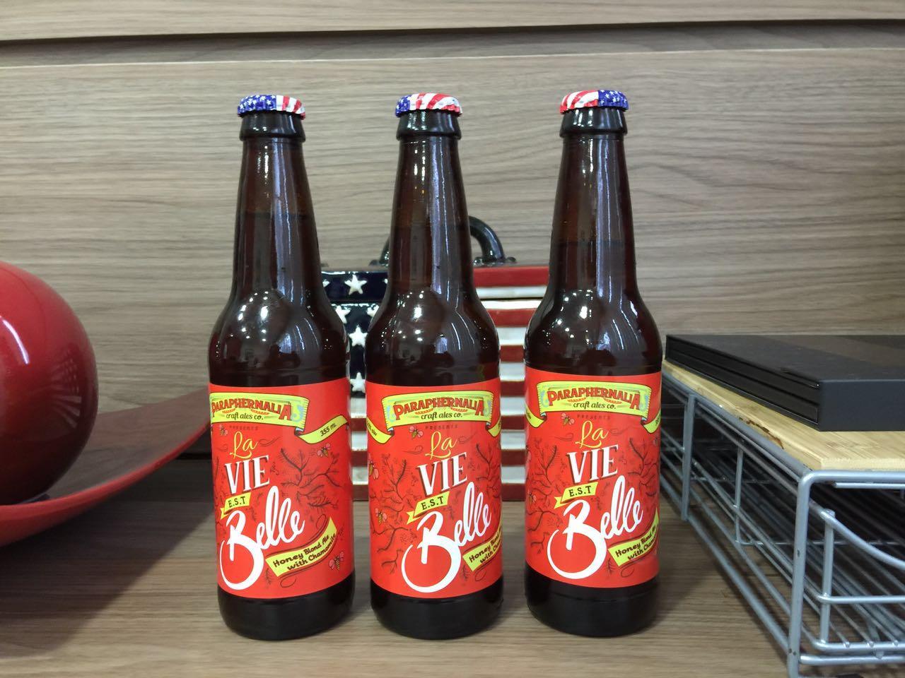 La Vie est Belle é uma American Blonde Ale produzida pela Paraphernália Craft Ales, com sede na cidade de Albany (Foto: Divulgação)