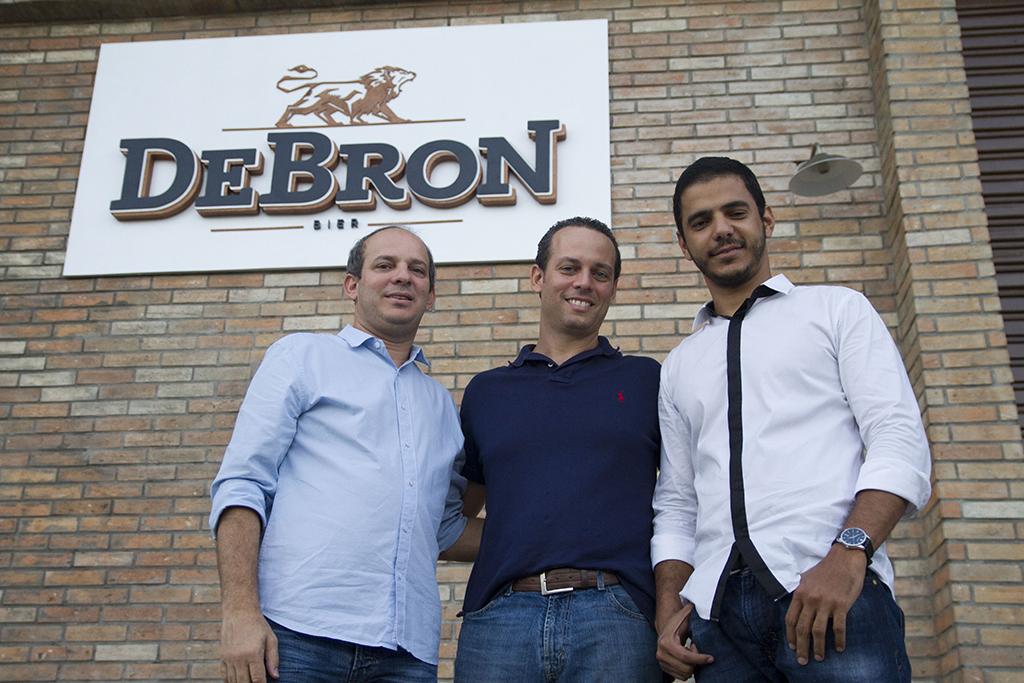 Raimundo Dantas,Thomé Calmon e Eduardo Farias estão à frente da cervejaria que busca tornar Recife um polo de artesanais (Foto: Divulgação)