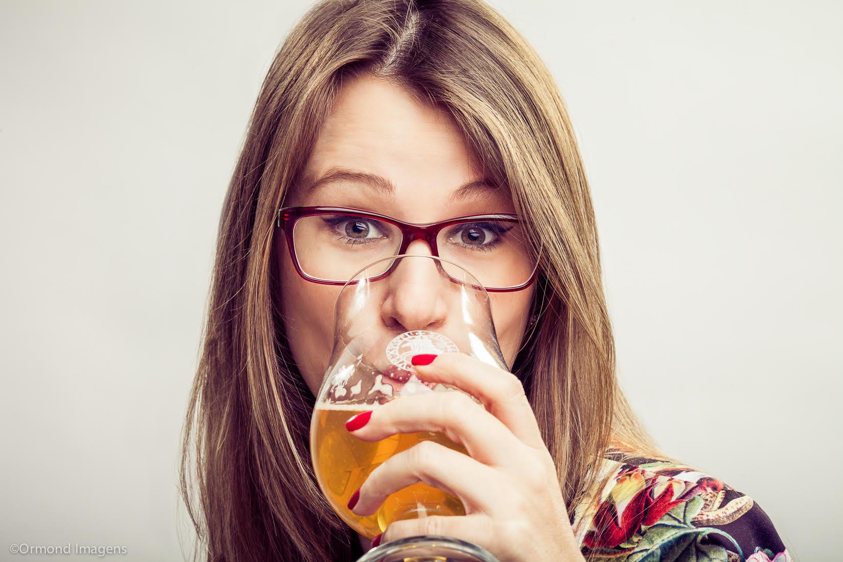 """A diretora do Science of Beer Institute, doutora em Engenharia Química,aborda """"harmonização entre cervejas e pratos tradicionais da culinária chilena baseados em mexilhões"""" (Foto: Divulgação)"""