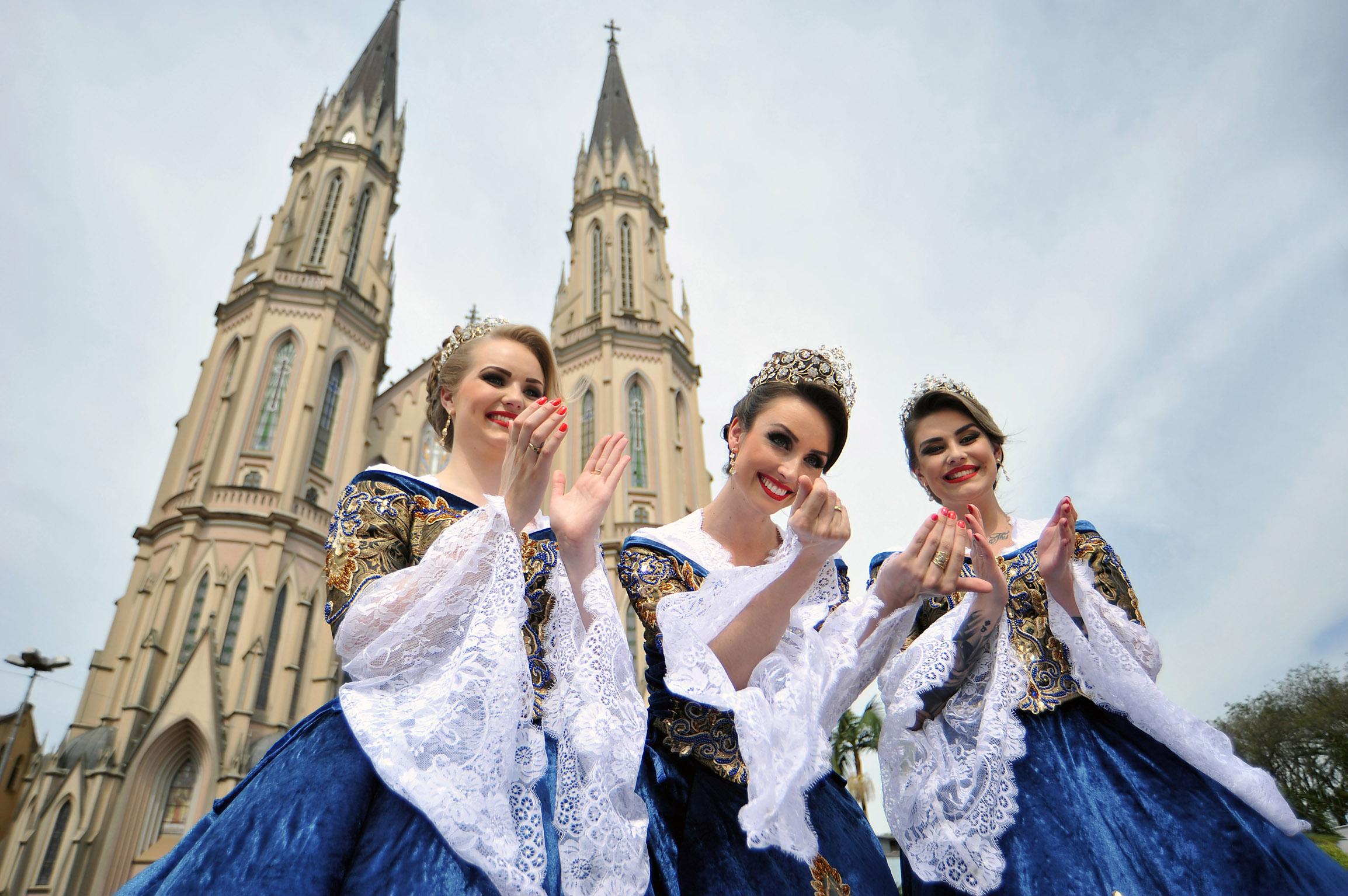 As soberanas da festa gaúcha,Ana, Cíntia e Aíscha (Foto: Rodrigo Assmann/Divulgação)