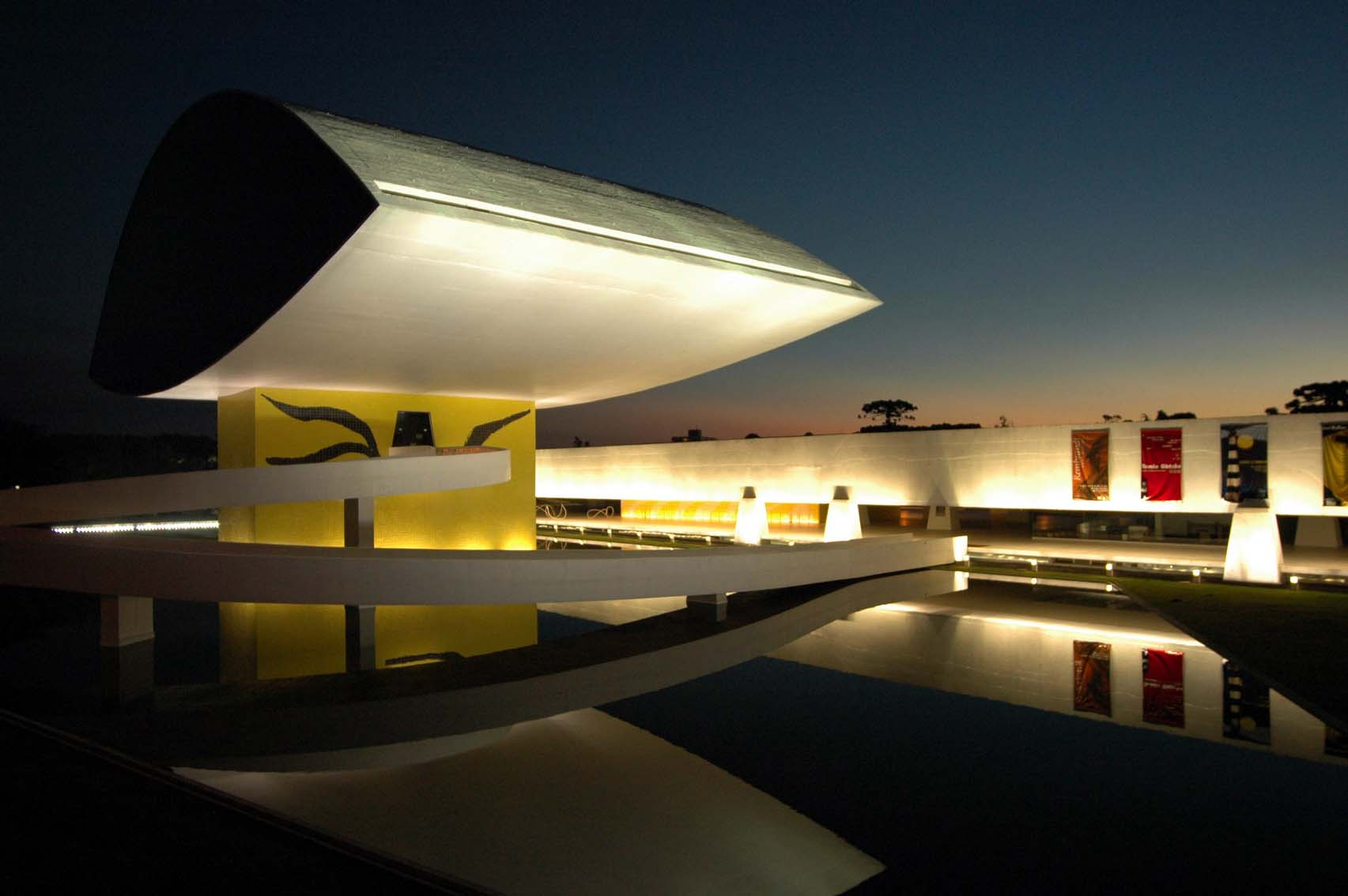 O festival ocorre no Salão de Eventos do museu, um dos principais cartões-portais de Curitiba (Foto: Divulgação)