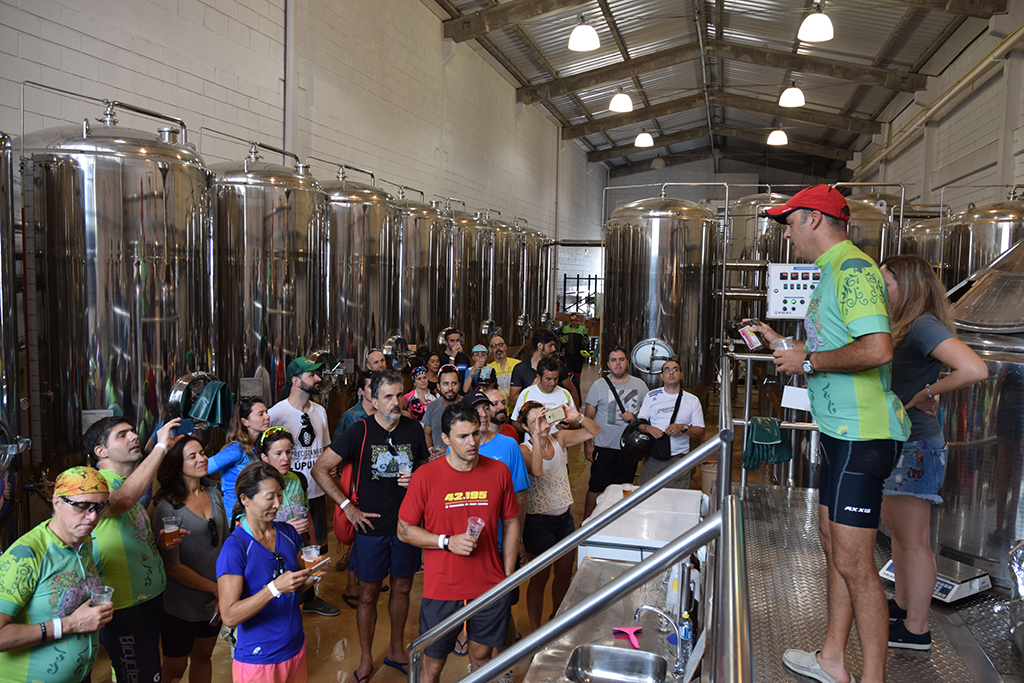 A cerveja, cuja brassagem os ciclistas acompanharam na fábrica em Várzea Paulista em janeiro, é um projeto que conta com mais ações (Foto: Divulgação)