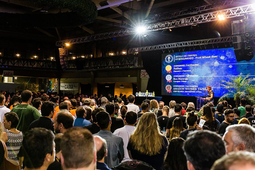 Cerimônia ocorreu na noite de terça-feira, 7, véspera da abertura do Festival Brasileiro da Cerveja (Foto: Daniel Zimmermann/Divulgação)