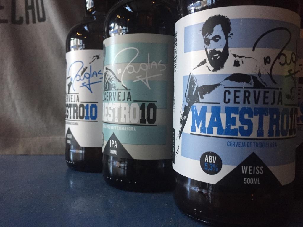 Brechó do Futebol, na Fernando Machado, no Centro de Porto Alegre, é um dos pontos que oferecem a linha do ídolo gremista (Foto: Beer Art)