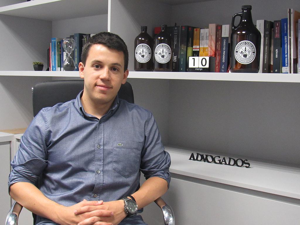 O advogado André Lopes lidera a assessoria jurídica especializada no ramo cervejeiro (Foto: Divulgação)