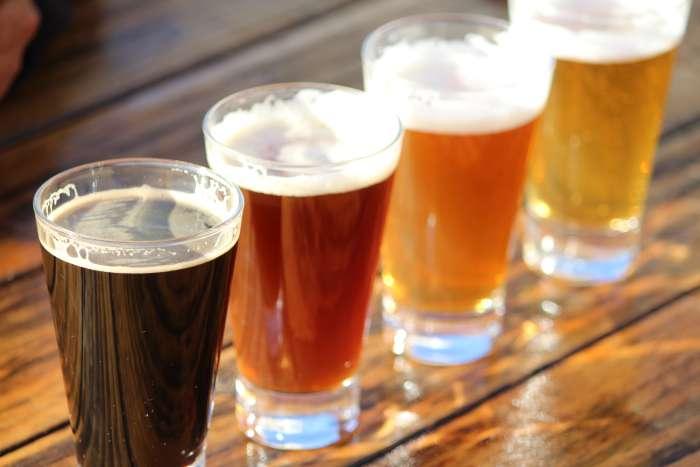 As cervejas mais vendidas, assim como uma eleita em votação popular, farão parte da carta de cervejas artesanais da rede em todo o país (Foto: Divulgação)