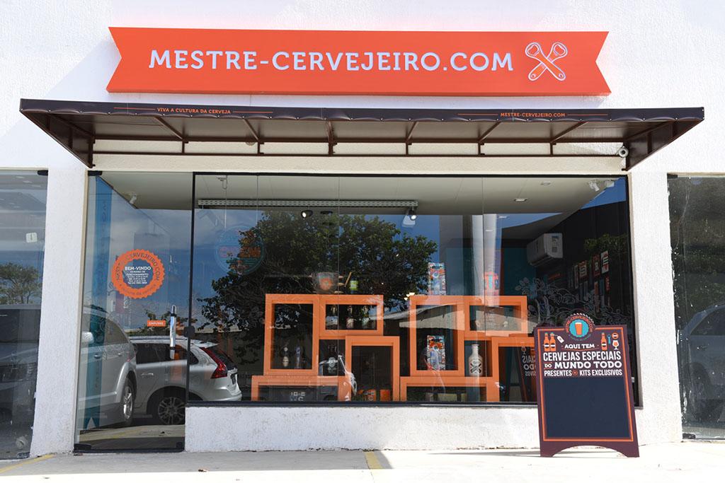 Na abertura, loja serve quatro opções de chope artesanal de diferentes origens (Foto: Divulgação)