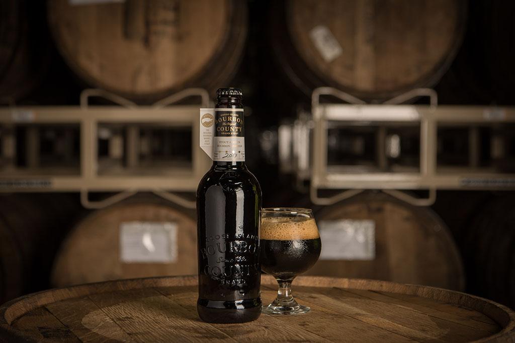 Cerveja é maturada em barris de whisky bourbon por cerca de 150 dias (Foto: Divulgação)