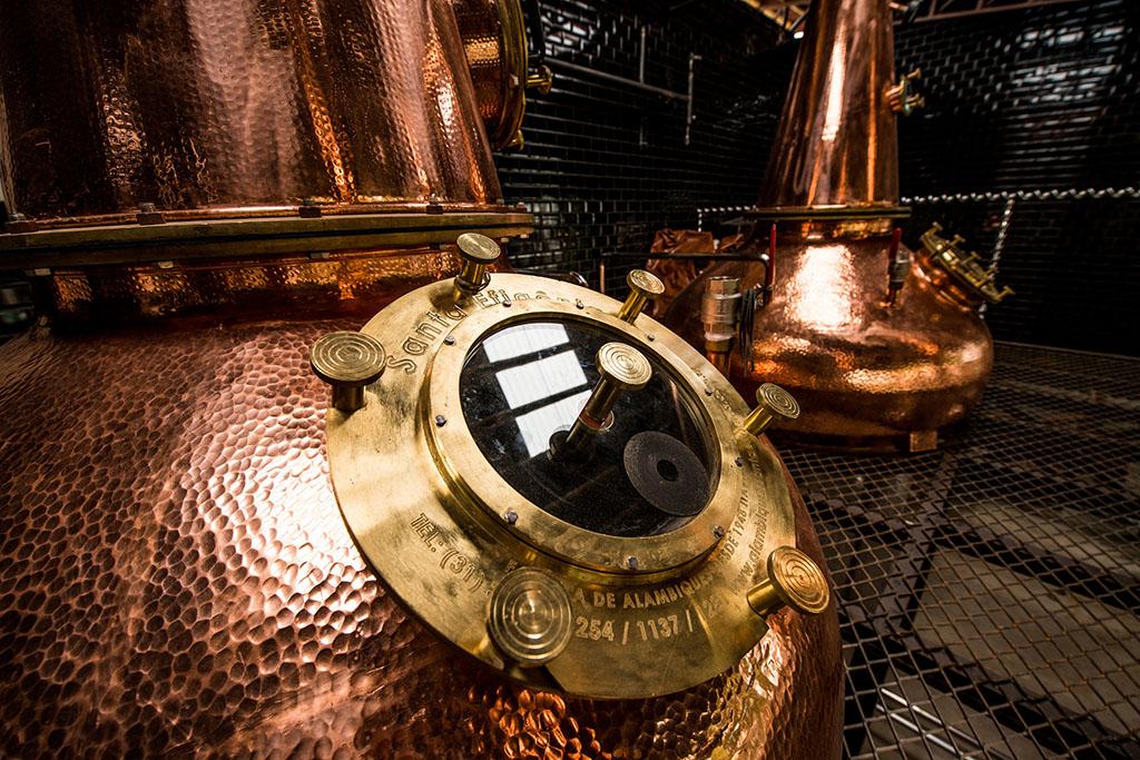 Os destilados produzidos pela marca mineira mantêm a ligacão com a cerveja (Foto: Gustavo Andrade/Divulgação)