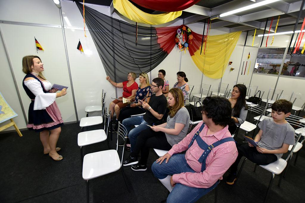 Visitantes podem participar das aulas gratuitamente (Foto: Agência Assmann/Divulgação)
