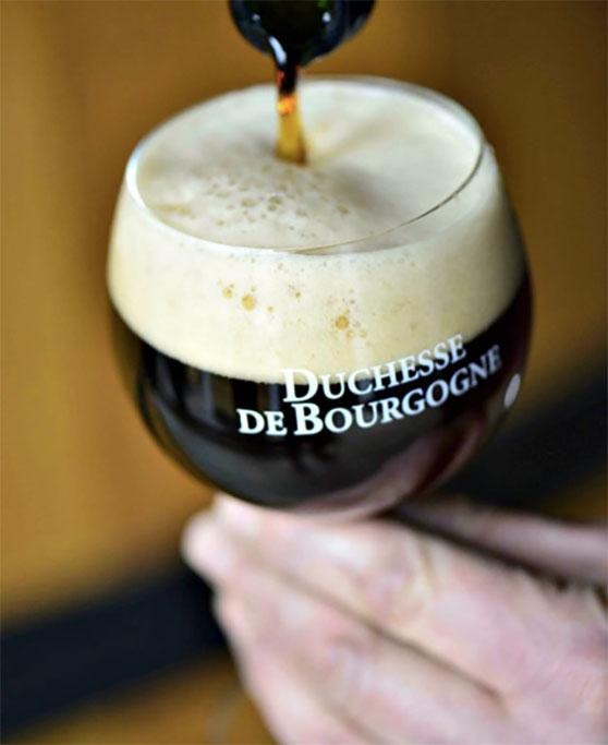As cervejas que serão disputadas no leilão beneficente (Foto: Divulgação)