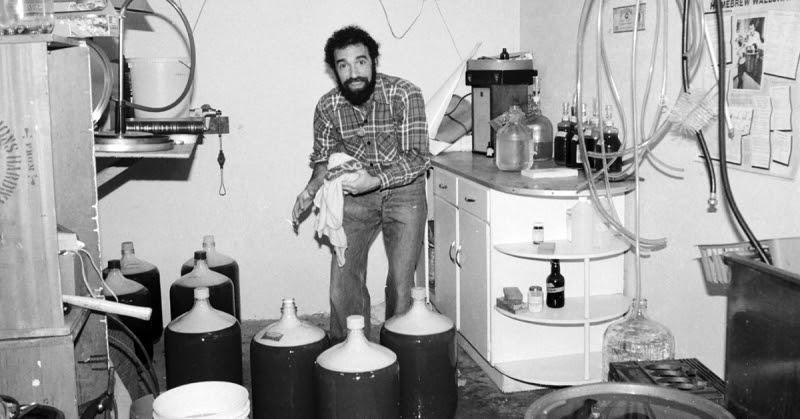 Charlie Papazian começou a fazer cerveja nas panelas em uma época em que essa prática era tida como excêntrica (Foto: Divulgação)