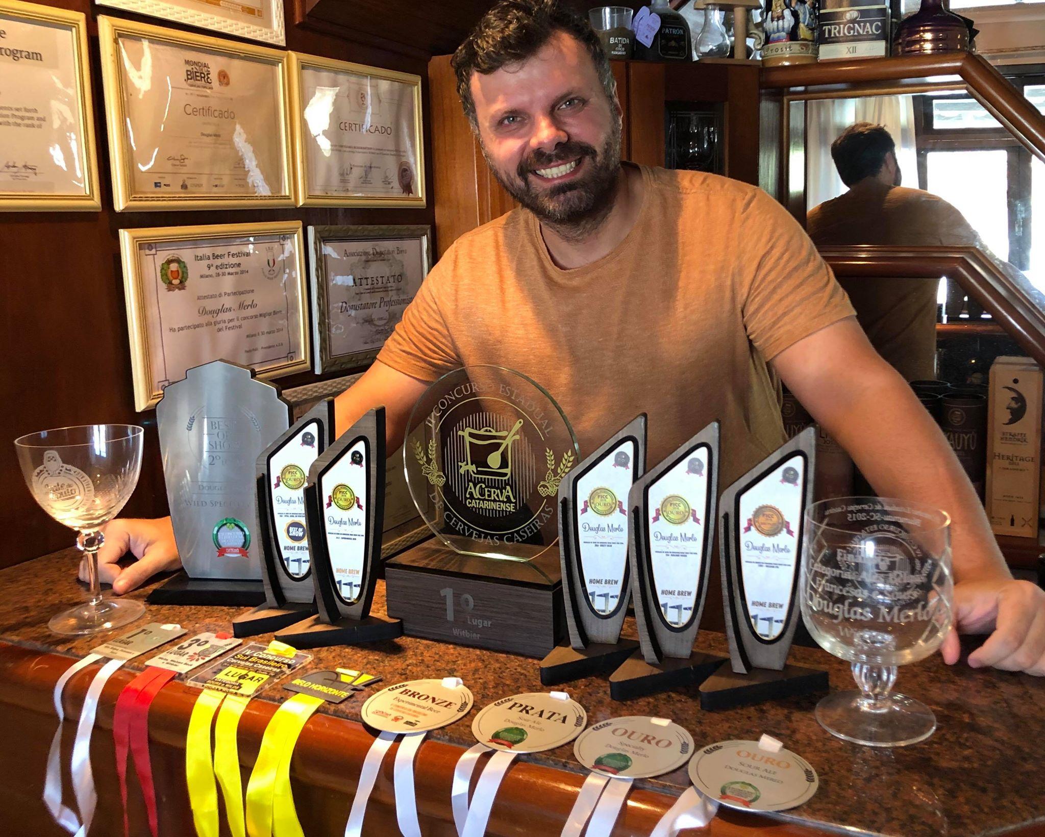 Doug Merlo, mixologista, sommelier de cervejas, professor e empreendedor, é um homebrewer multipremiado (Foto: Divulgação)