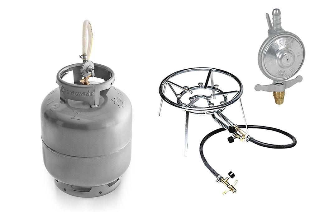 Botijão, fogareiro e regulador, itens comuns na rotina do cervejeiro caseiro (Fotos: Divulgação)